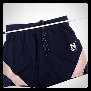 Under Armour women's NAVY loose fit shorts sz med